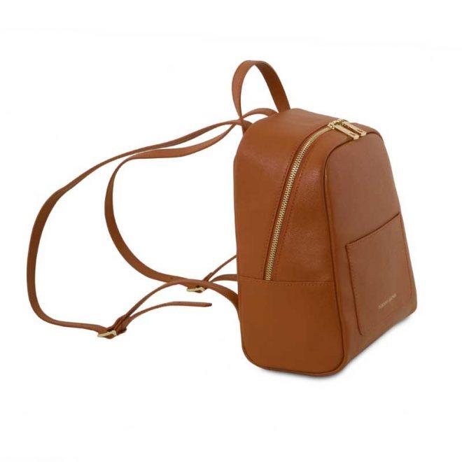 leren-rugtas-dames-tl-bag-01-cognac-zijkant