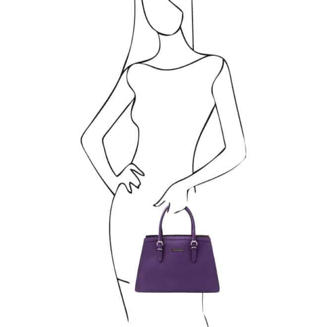 leren damestas tl bag 47 paars voorkant in de hand